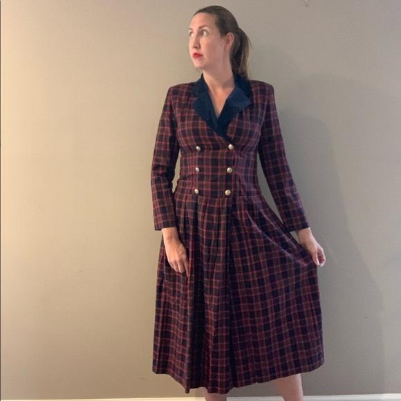Vintage Dresses & Skirts - Vintage 80s Lanz Plaid Double Breasted Midi Dress